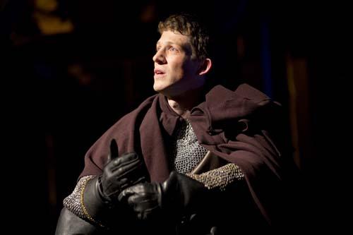 Zach Appelman (Henry V), Henry V, directed by Robert Richmond, Folger Theatre, 2013. Scott Suchman.