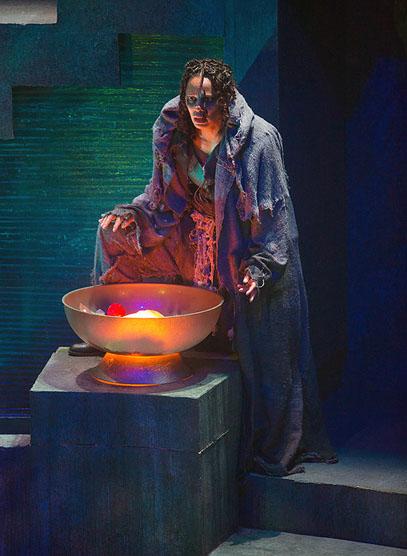 Nafeesa Monroe (Soothsayer), Julius Caesar, directed by Robert Richmond, Folger Theatre, 2014. Photo by Teresa Wood.